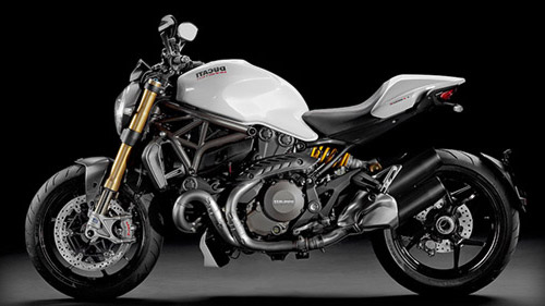 location Ducati 1200 monster chez 4GMoto